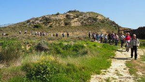 De romanos y románicos, la agrupación Valle de Izagaondoa en Santa Criz de Eslava