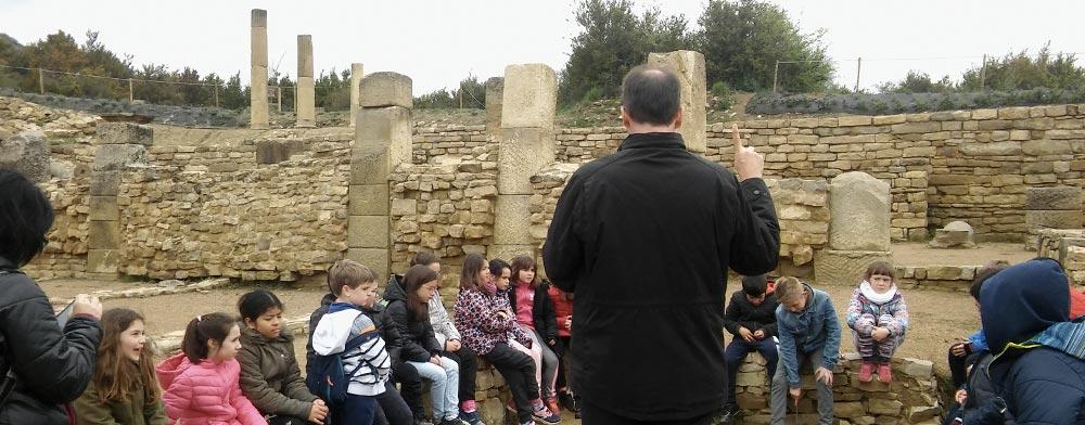 Los niños del Colegio Luis Gil en Santa Criz de Eslava